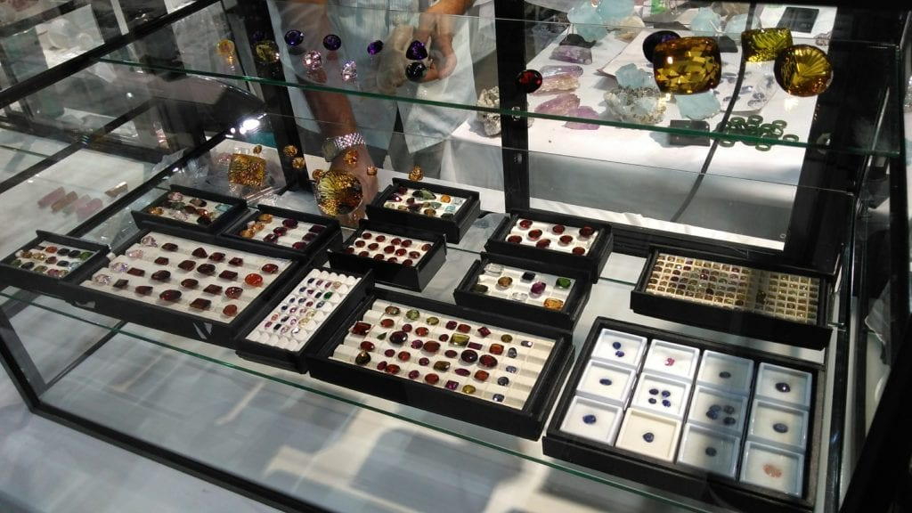 Denver gem & mineral showcase - gems on display