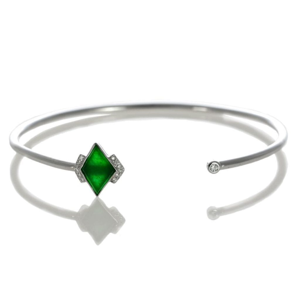 jade buying - translucent jade bracelet