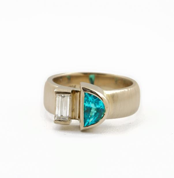paraíba tourmaline buying guide - half moon paraiba and diamond ring