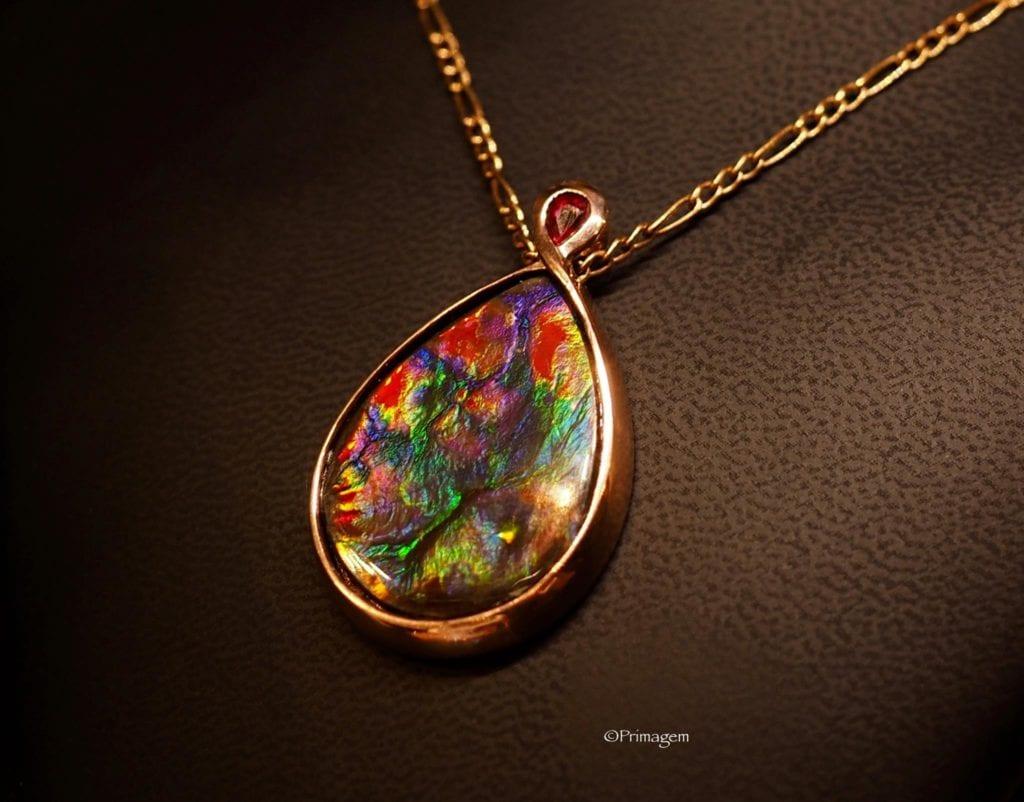 ammolite buying guide -primagem ammolite pendant