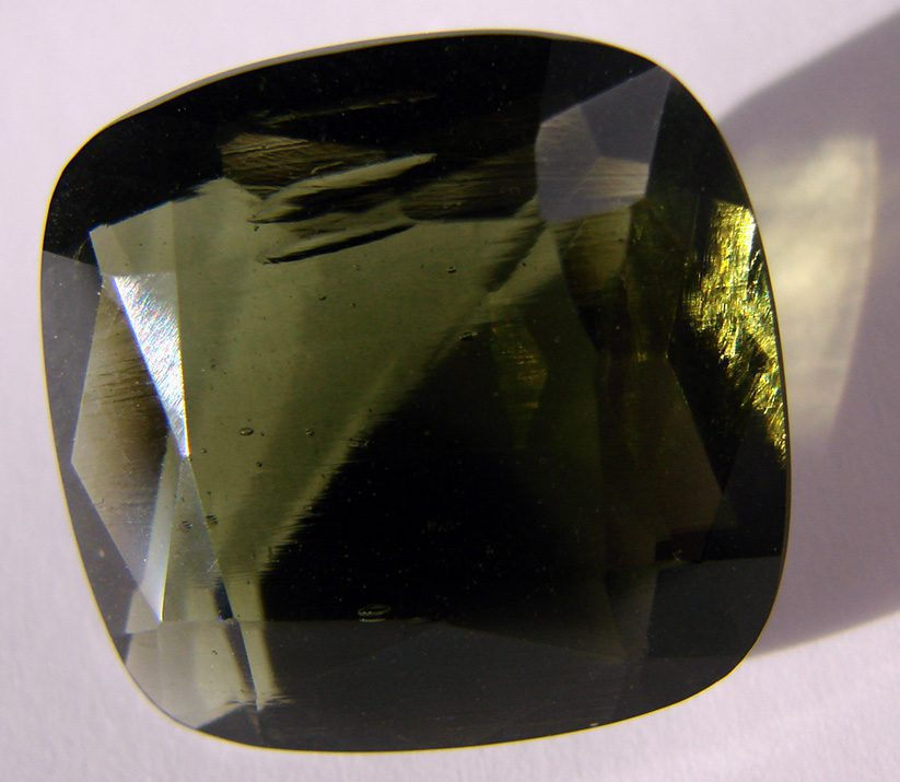 unique gem materials for jewelry design - moldavite