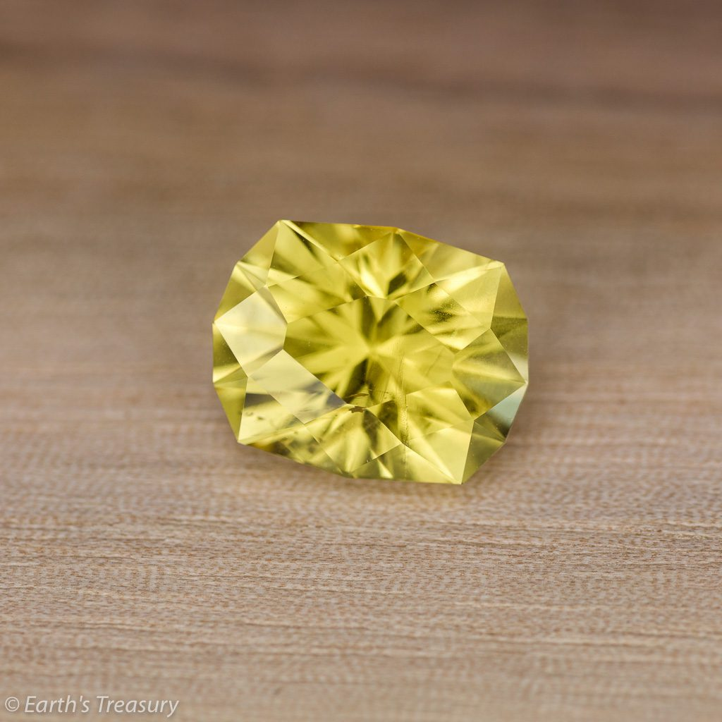 yellow gemstones - 5.73 ct heliodor