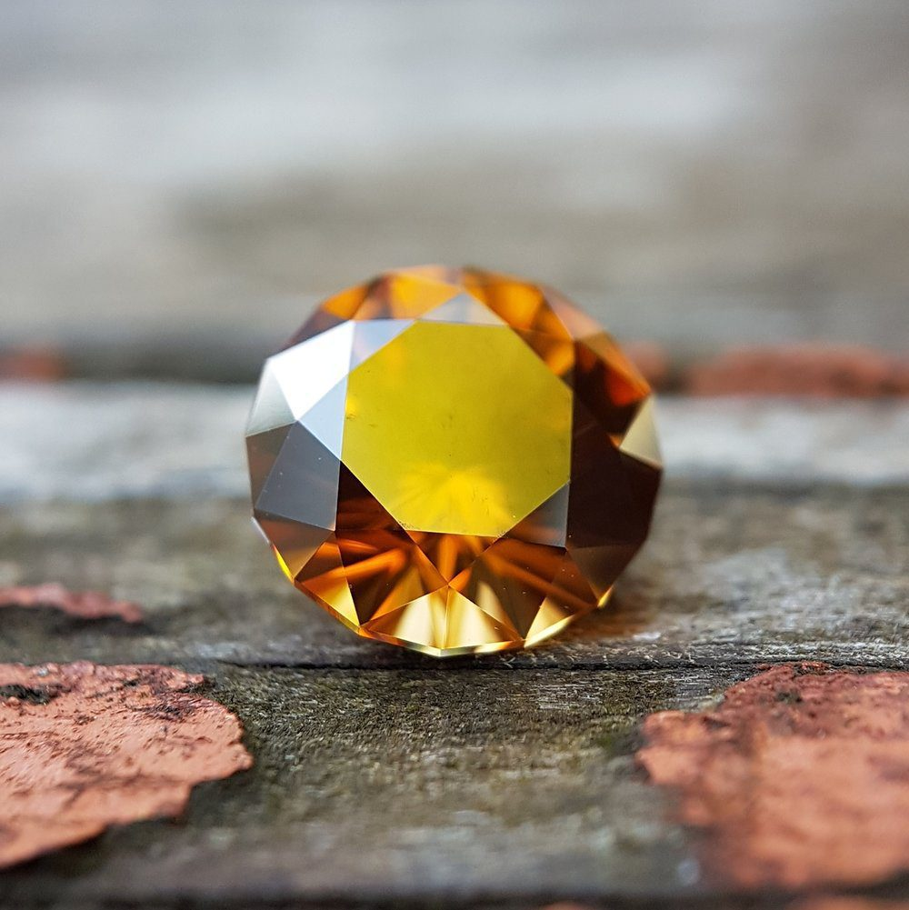 yellow gemstones - honey zircon