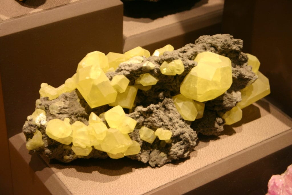 yellow gemstones - sulfur