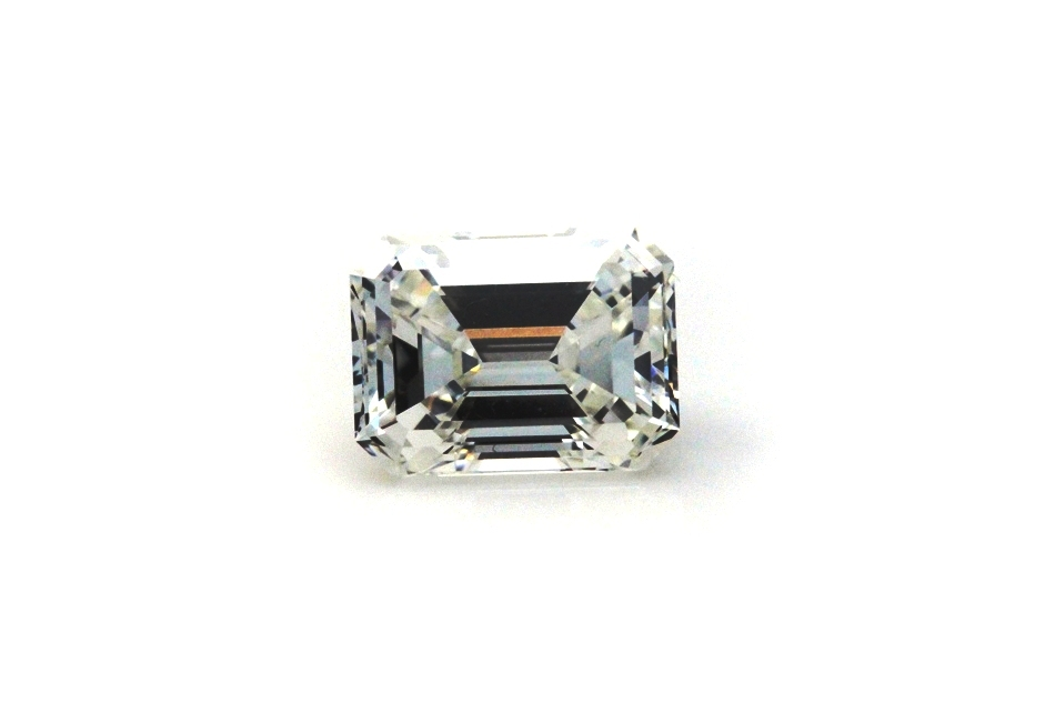 fancy gem cuts - loose emerald-cut diamond