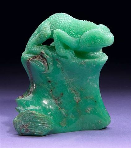 chrysoprase buying guide - carved lizard