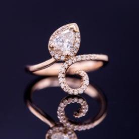 CustomMade pear-cut diamond - buying diamonds online