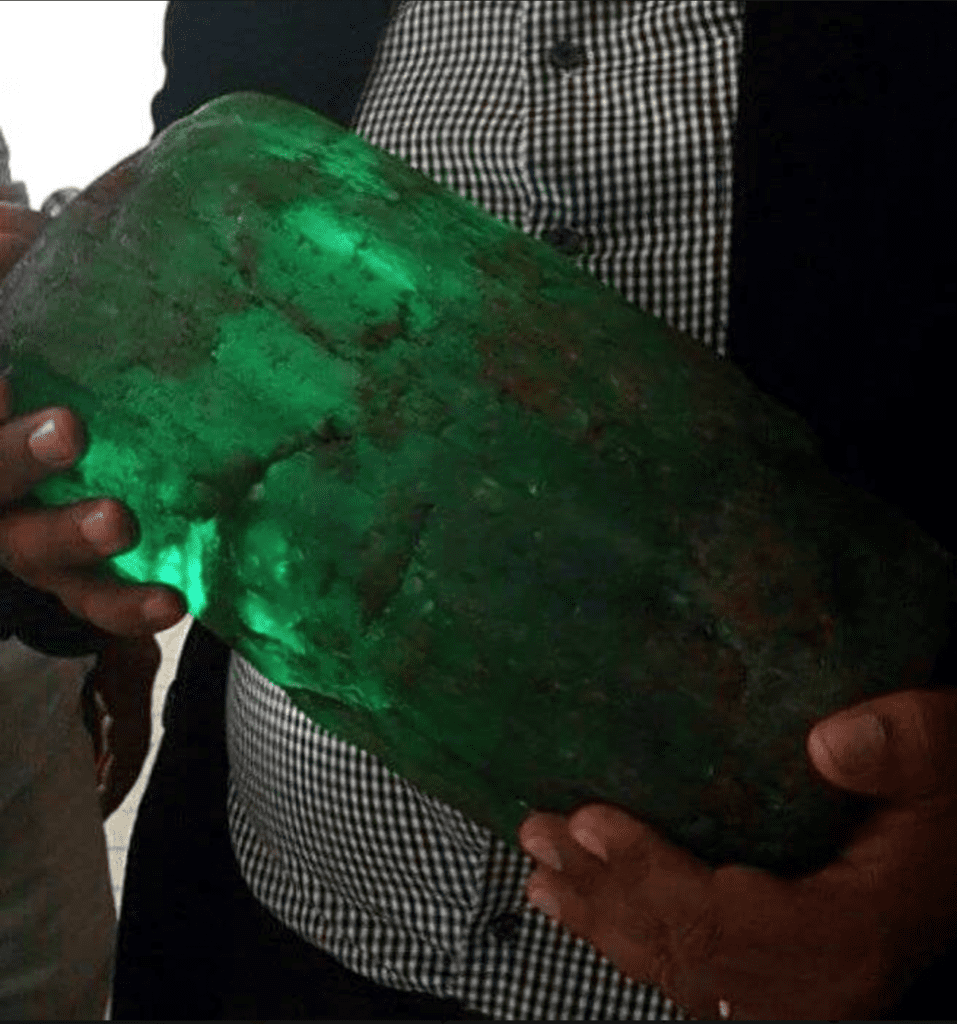 is this waterworn emerald from the Chivor mine?