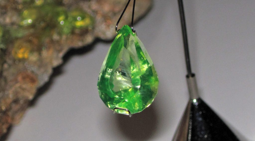 toxic and radioactive gems - hyalite opal
