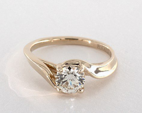 searching for diamonds online - 0.7ct L in yellow gold engagement ring