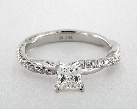 princess-cut diamonds - I color in white gold