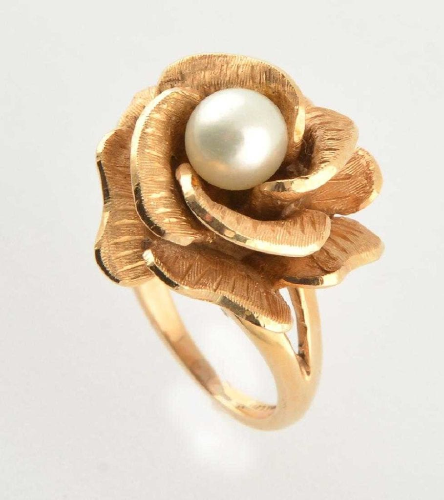 flower-like bowl setting for pearl ring - protective gem settings