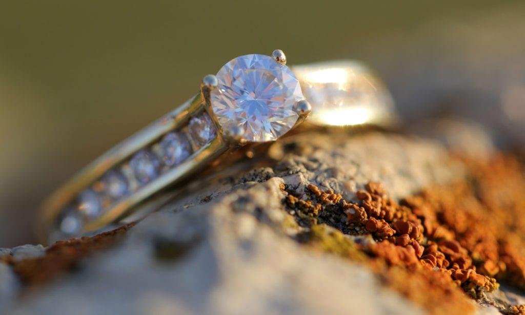 diamond fluorescence - diamond engagement ring