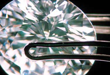 HPHT diamond - diamond treatments