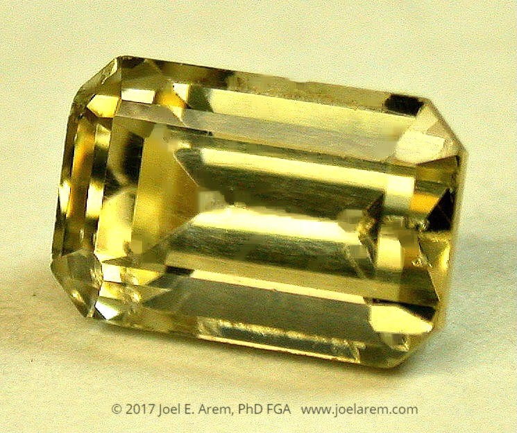 faceted scheelite, 4.17 carats