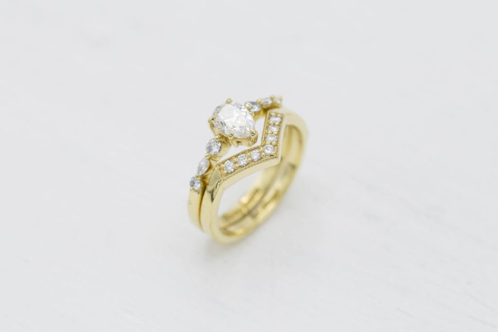 pear-shaped diamond guide - unique pear-shaped diamond engagement ring with matching band