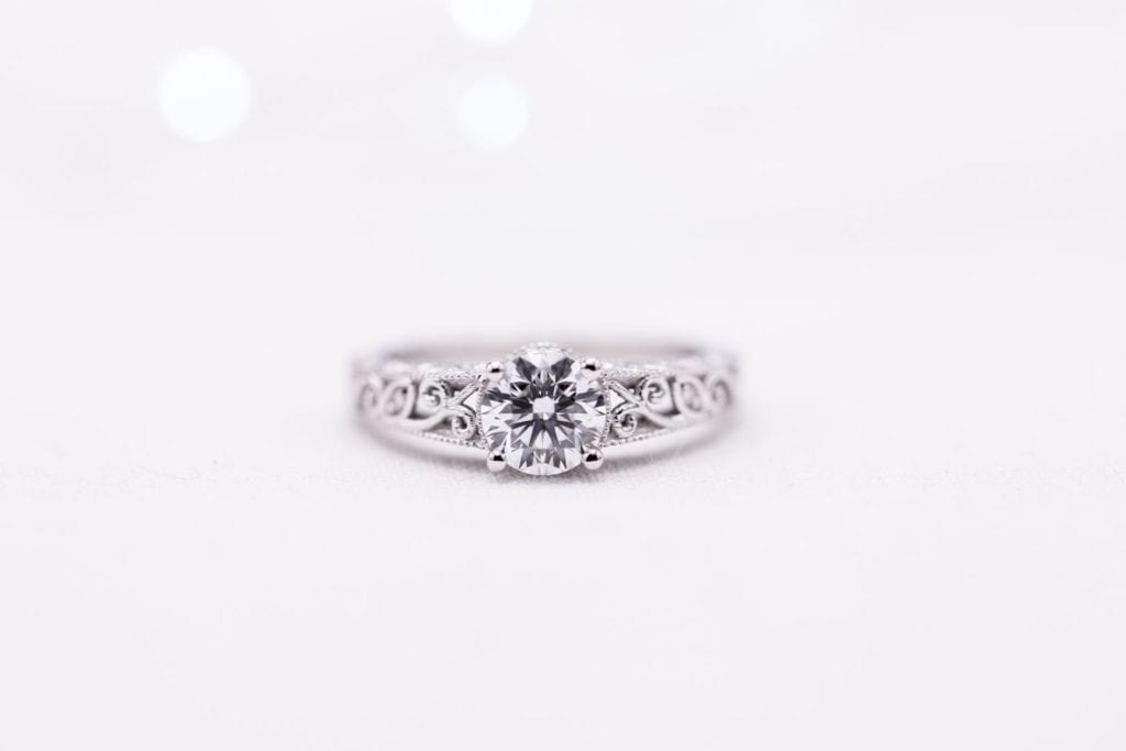 buying a one-carat diamond ring - 0.9ct lab-made round diamond