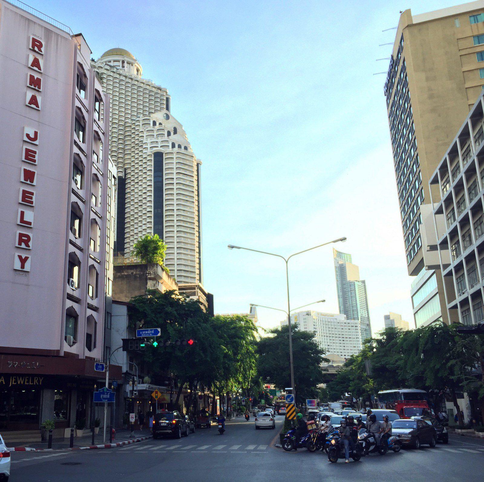 Silom and Mahesak Roads - Bangkok gemology schools
