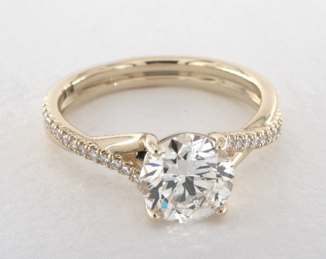 d color flawless diamond guide - yellow gold pave engagement ring
