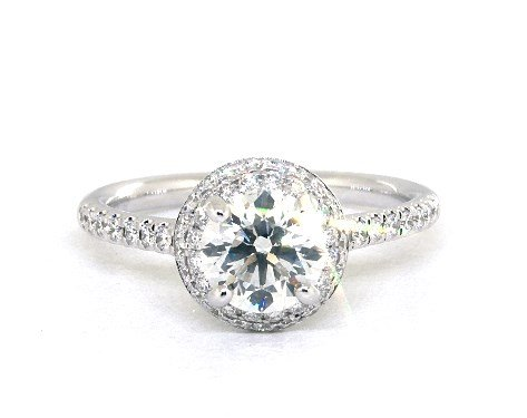 buying a one-carat diamond ring - halo setting