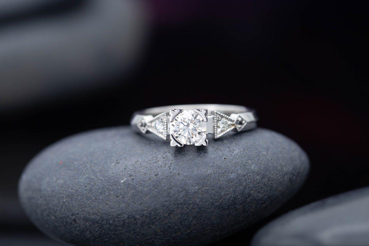 art deco style - engagement ring setting
