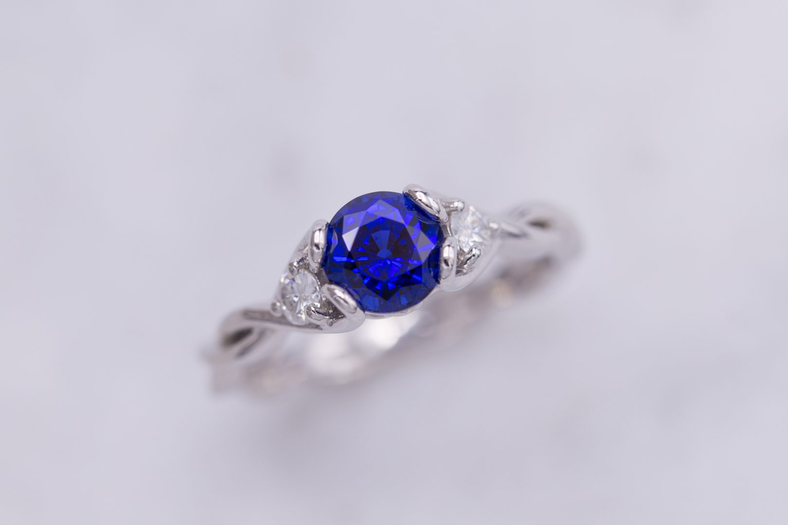 blue sapphire twisted shank - engagement ring setting