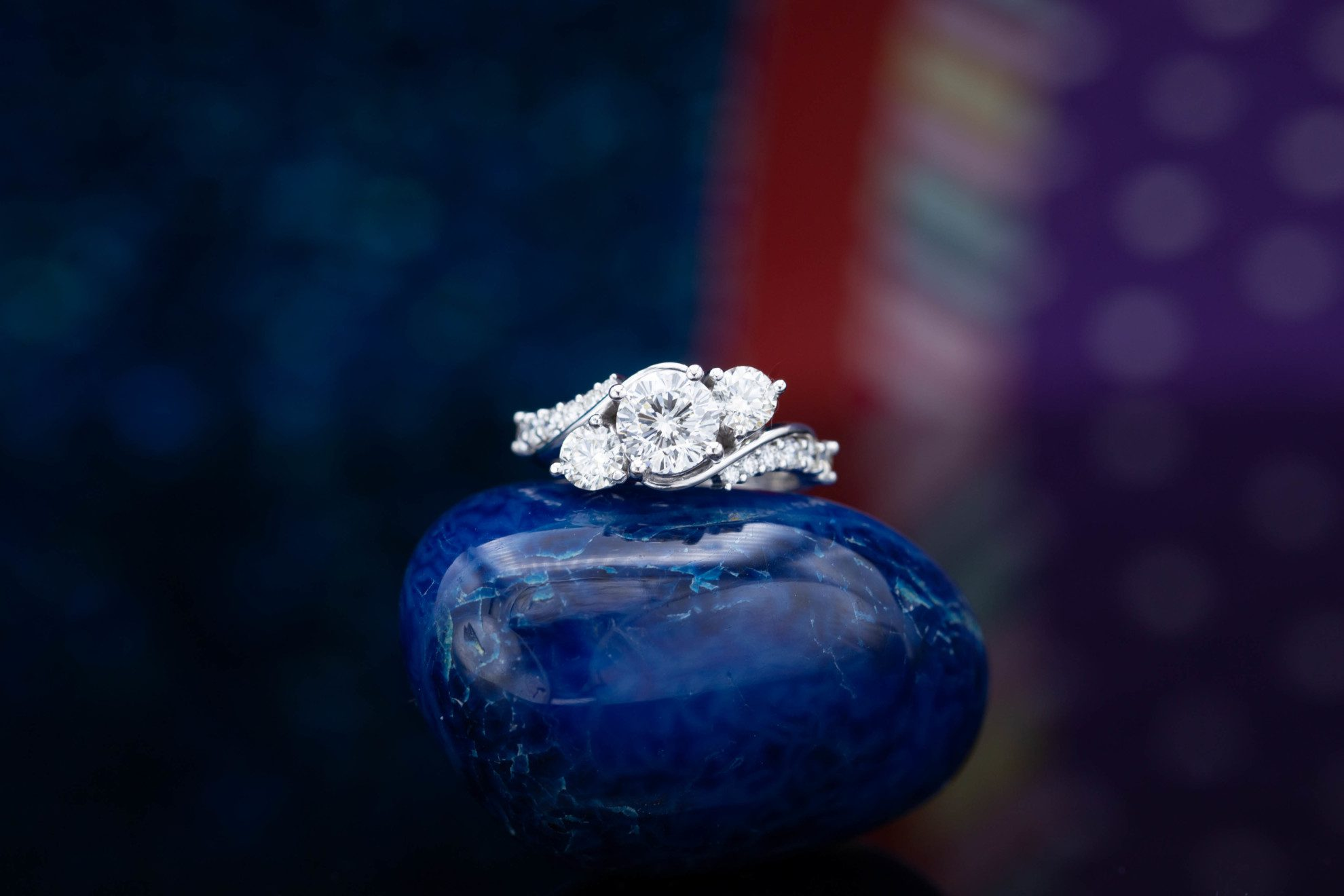 three-stone bypass - engagement ring setting