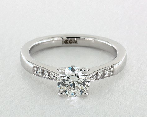 0.70ct tapered pave engagement ring - what carat diamond should I choose