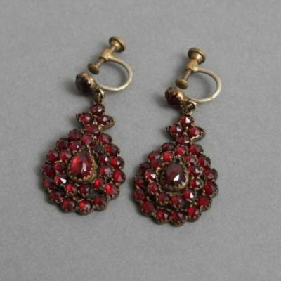 antique Bohemian garnet earrings - garnet symbolism and legends