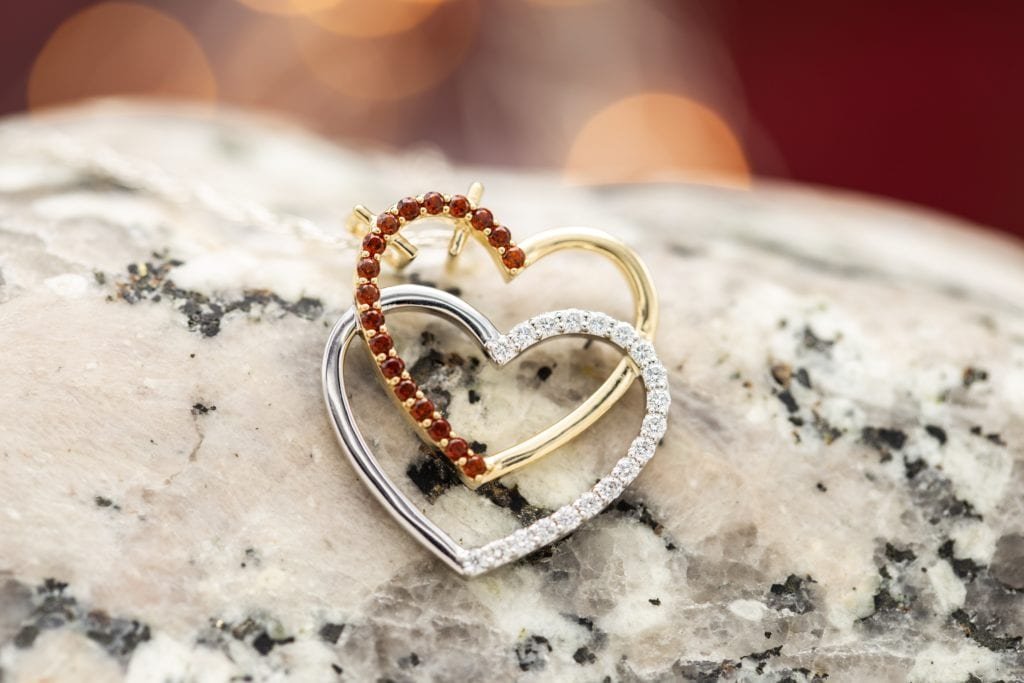 garnet and diamond hearts - garnet symbolism and legends
