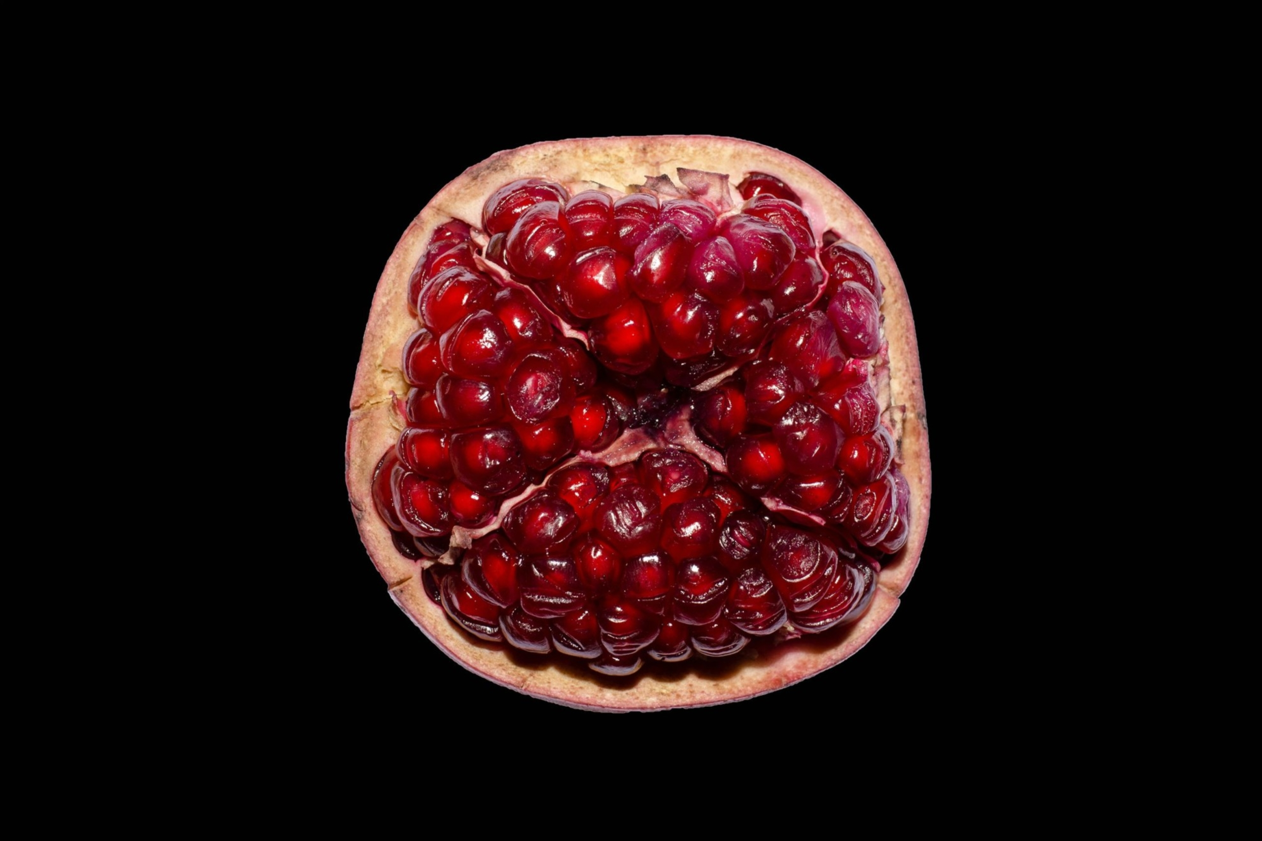 pomegranate seeds - garnet symbolism and legends