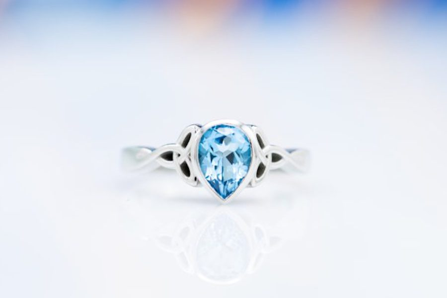 bezel-set pear-cut topaz - engagement ring setting