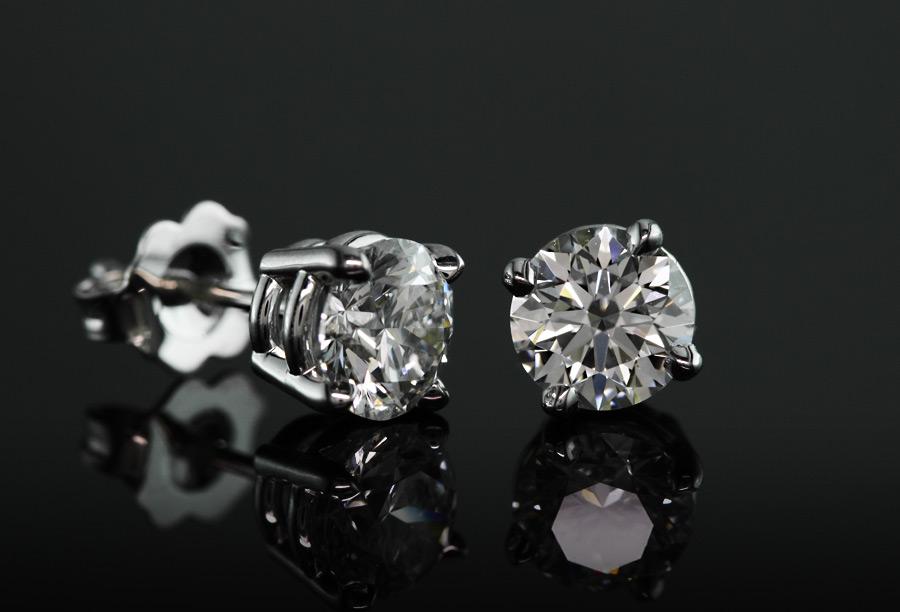 diamond studs - what carat diamond should I get