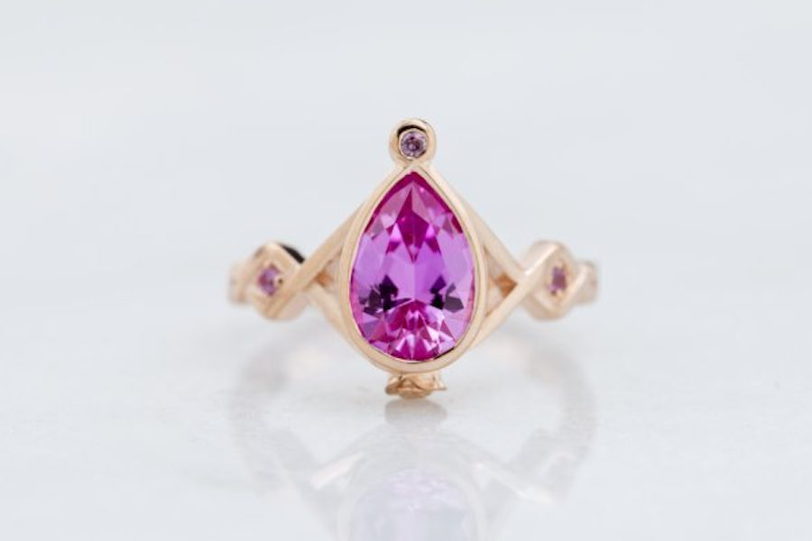 pear-cut pink sapphire - engagement ring setting