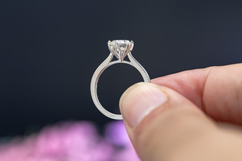engagement ring side view - diamond girdles