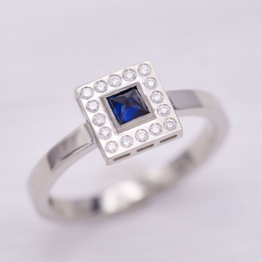 square halo - vintage engagement rings