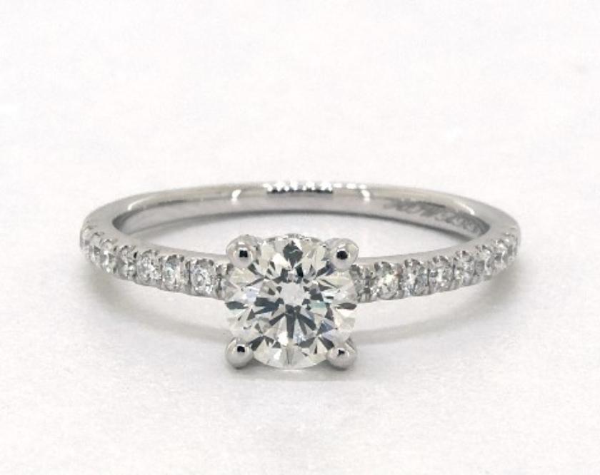 e color diamond in white gold