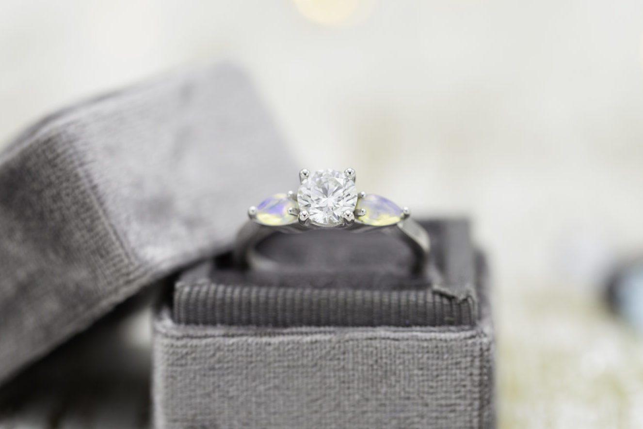 excellent cut diamond engagement ring