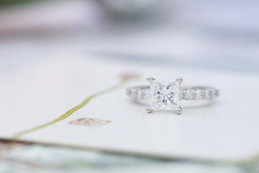princess-cut engagement ring - what to know before buying a diamond