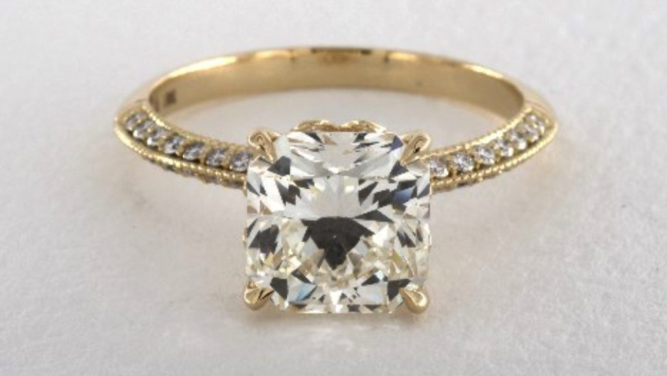 radiant-cut VS1 clarity diamond engagement ring