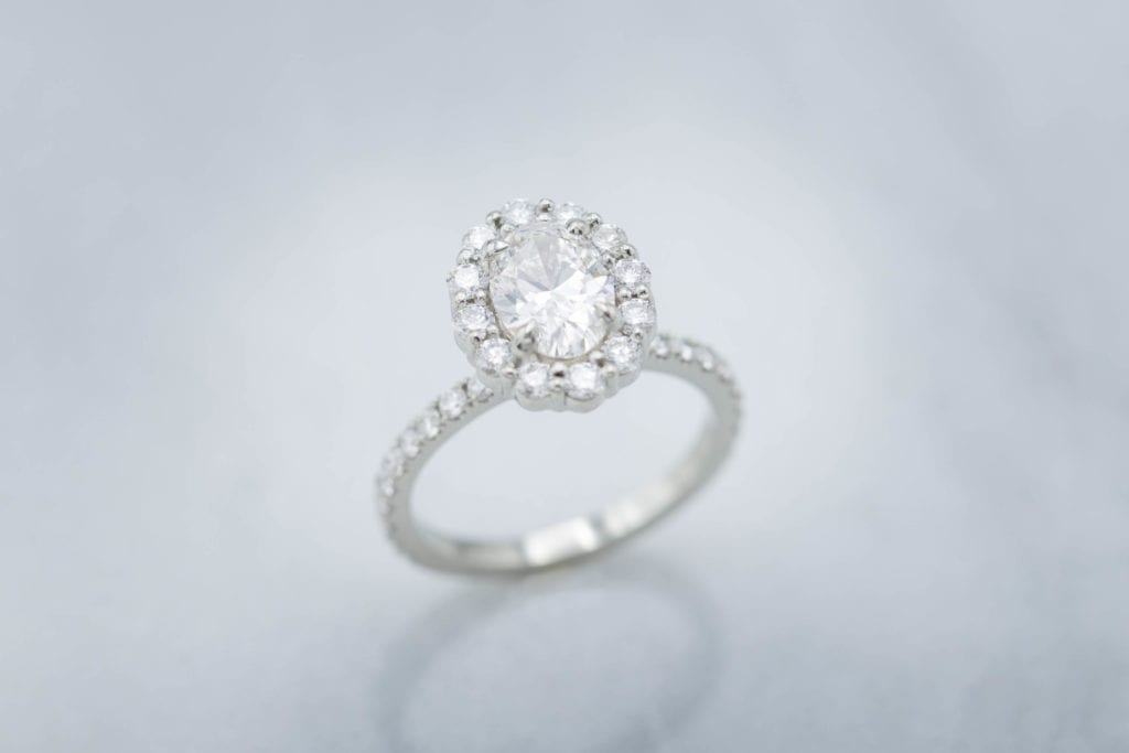oval-cut diamond white gold ring - F IF