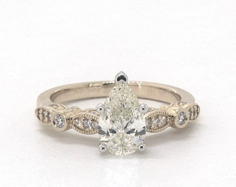 1.14 carat Pear shaped Vintage engagement ring in14K Yellow Gold James Allen